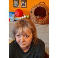 Pomoc ženě s roztroušenou sklerózou během léta
